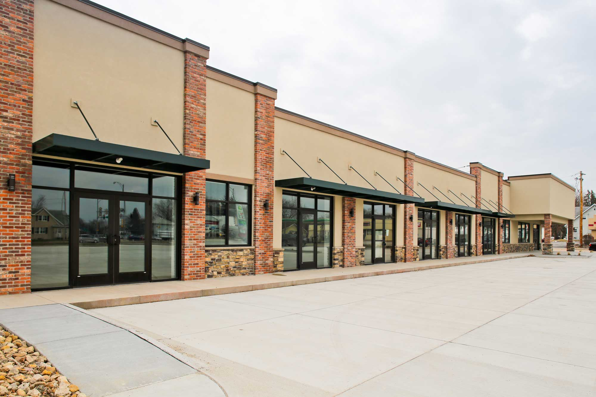 Feature of Commercial Plaza built by Daxon Construction
