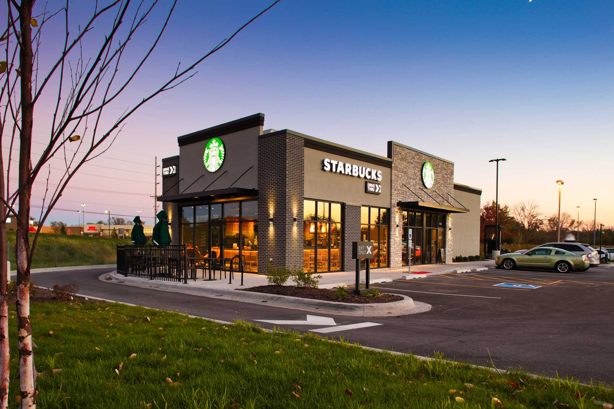Feature of Starbucks built by Daxon Construction view 4